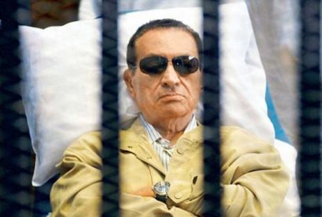Diktatör Hüsnü Mübarek'in Bakanı Beraat Etti