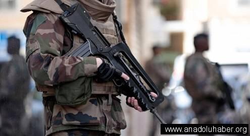 Fransız polisinden sığınmacı kamplarına baskın