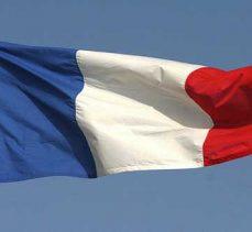 Camilere yapılan saldırılar artarken, Fransız siyasetçiler ise sessiz kalıyor!