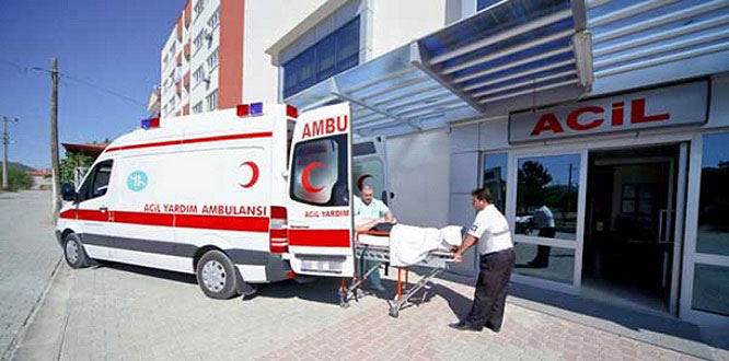KYK yurdunda yemekten zehirlenen 10 öğrenci hastaneye kaldırıldı