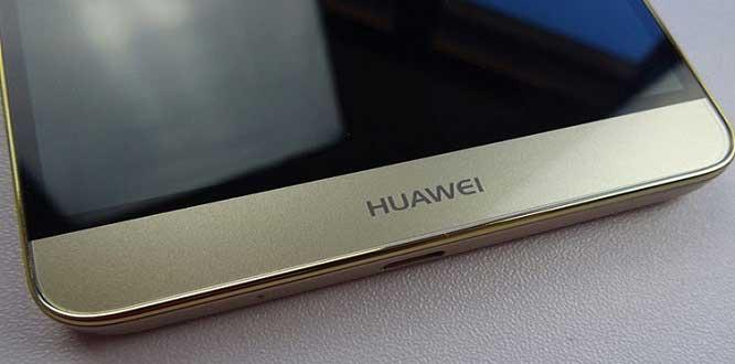 ABD yaptırımlarına karşı müşterilerini korumak isteyen Huawei, yeni bir uygulamaya geçti