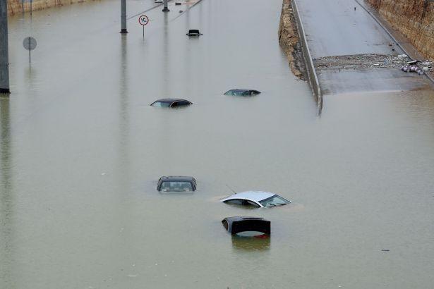 Irak'ta sel felaketi: 16 kişi yaşamını yitirdi