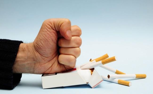 'Uzun süre sigara içenlerde böbrek ve mesane kanseri fazla görülüyor'