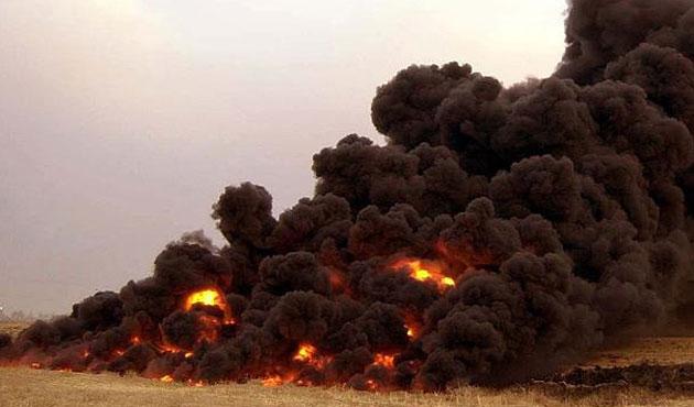 Havice'yi kaybedeceğini anlayan terör örgütü IŞİD petrol kuyularını ateşe verdi
