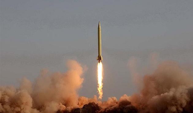 İran'dan düşmanlarını tedirgin eden füze!