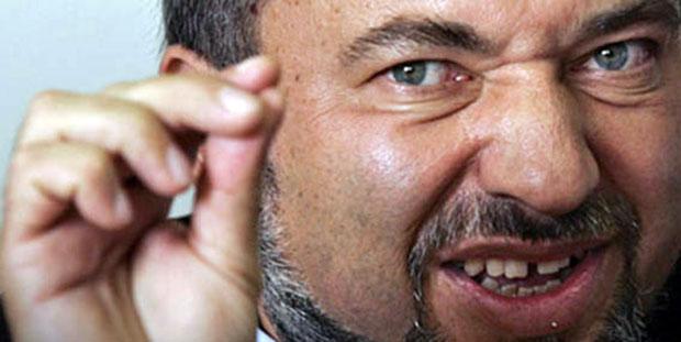 Siyonist israil Savunma Bakanı: Filistin'e saldıracağız