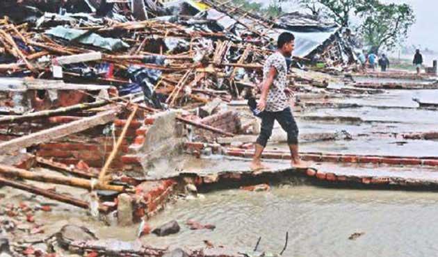 Michael Kasırgası'nda can kaybı en az 18'e yükseldi