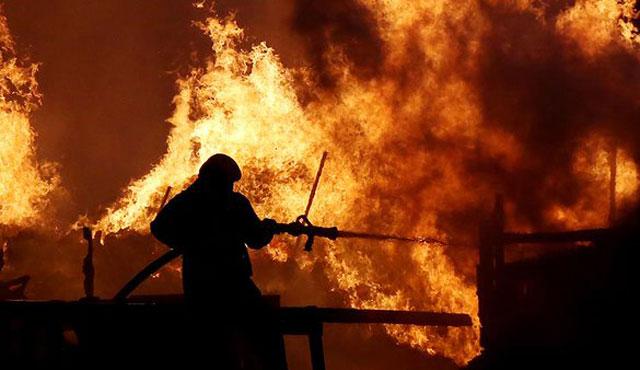 Trump'ın gökdeleninde yangın çıktı, Ölü ve yaralılar var