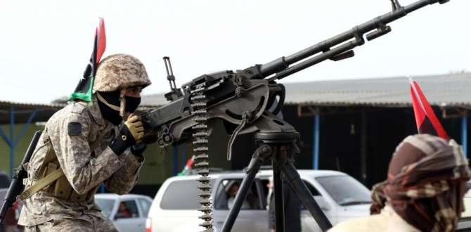 'Hafter'in ordusu Trablus havalimanını kontrol altına altı'