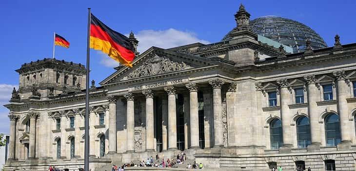 Almanya'da yoksulluk giderek artıyor