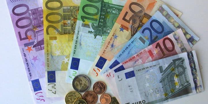 Euro 5 TL'yi geçti… Dolar ve Sterlin'de yeni rekor geldi