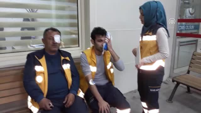 Ölen Köpeği Hastaneye Götürmediler Diye Ambulans Ekiplerine Saldırdılar!
