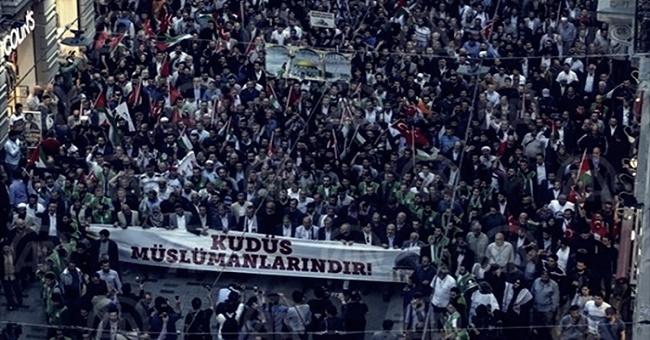 Taksim'de toplanan onbinlerce kişiden hükümete çağrı! Siyonist elçiliği kapatın