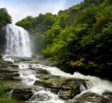 Gezilecek yerler: Su uçtu şelalesi
