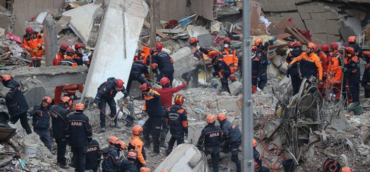 Bakan Kurum: Kartal'da yıkılan binanın etrafındaki 8 bina da riskli, süreç içinde yıkacağız