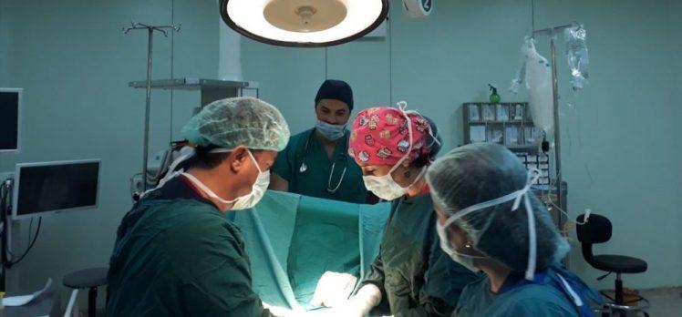 Kalın bağırsağının yüzde 70'inin göğüs kafesinde olduğu tespit edildi